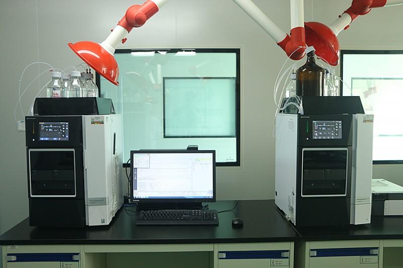 I成都润馨堂药业检测中心-高效液相色谱仪