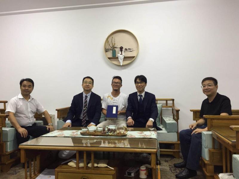 日本AiMed株式会社董事长木村修先生,津村制药首席技术官高崎隆次先生到访润馨堂图片